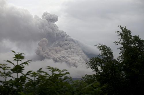 Emergencia-en-5-municipios-por-erupcion-del-Volcan-Colima