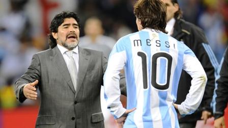 Maradona-pide-que--dejen-de-mimar-a-Messi