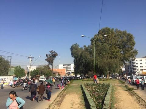 Cochabamba,-aislada-por-bloqueos-de-vias-de-acceso-y-puentes