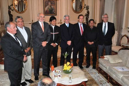 Demanda-maritima-tiene-ahora-cinco-expresidentes