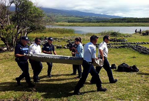 Restos-de-avion-encontrado-podrian-pertenecer-al-vuelo-MH370