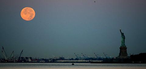 La--luna-azul--iluminara-el-cielo-hoy