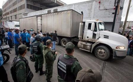 Venezuela-toma-los-depositos-de-Pepsi,-Polar--y-Nestle