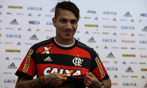 Paolo-Guerrero-se-presenta-con-el--9--del-Flamengo