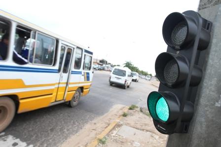 Instalaran-semaforos-con-pulsadores-en-los-barrios
