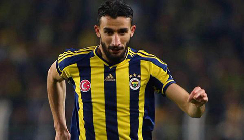 Mehmet-Topal-sale-ileso-tras-tiroteo-en-Estambul