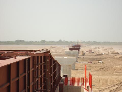Avanzan-un-27%-en-construccion-de-puente-Banegas