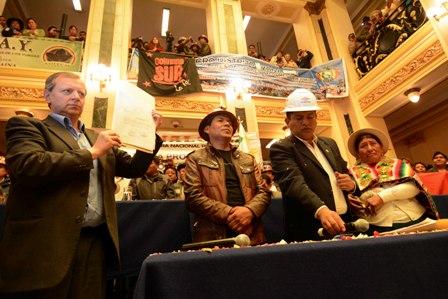 Los-bolivianos-en-el-exterior-tambien-votaran-en-referendo
