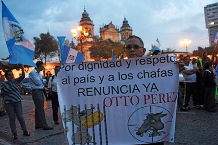 Presidente-de-Guatemala-no-descarta-renunciar