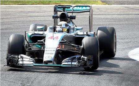 Hamilton-manda-en-los-ensayos-libres-de-Italia