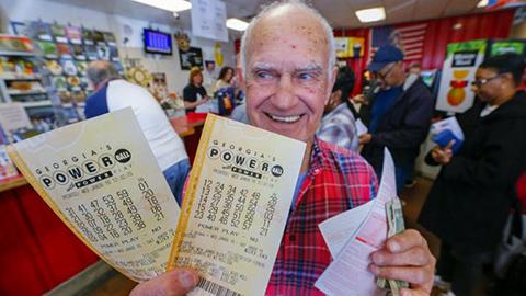 Pozo-de-loteria-Powerball-sube-a-casi-950-millones-de-dolares