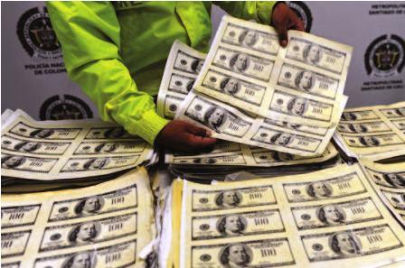 Incautan-un-millon-de-dolares-falsos