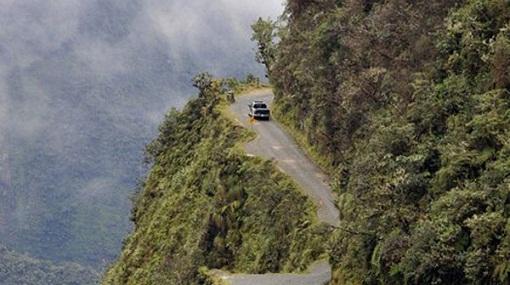 Accidente-deja-nueve-muertos-en-la-carretera-Los-Yungas---La-Paz
