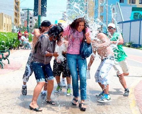 Medio-Ambiente-prohibe-usar-agua-para-jugar-en-carnaval