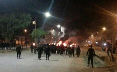 Policia-gasifica-a-bloqueadores-en-Quillacollo-y-reaunuda-transito