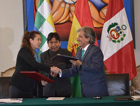 Bolivia-y-Peru-invertiran-mas-de-$-400-millones-para-recuperar-el-Lago-Titicaca