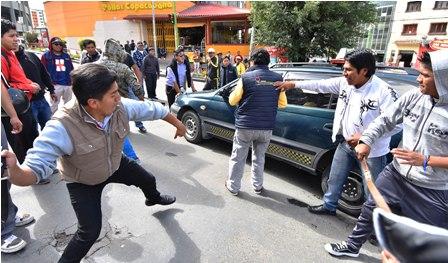 Violenta-jornada-en-paro-de-transporte-en-La-Paz