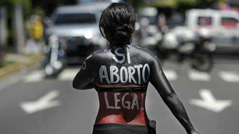 El-Salvador-inicia-debate-parlamentario-para-despenalizar-aborto