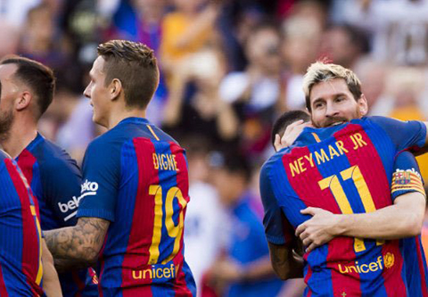 Barcelona-aplasto-4-0-al-Deportivo-La-Coruna,-en-el-regreso-de-Messi