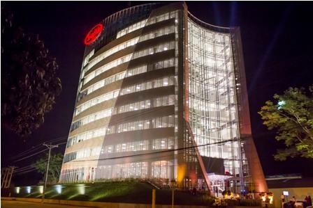 Sofia-inaugura-su-moderno-edificio