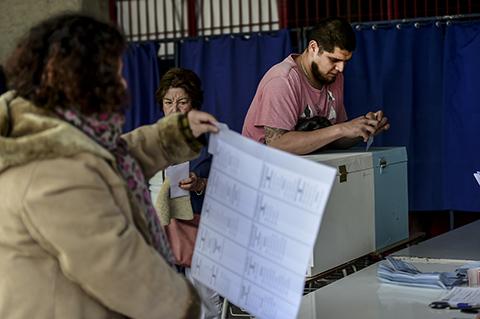 La-oposicion-de-derecha-se-imponia-en-elecciones-municipales-en-Chile