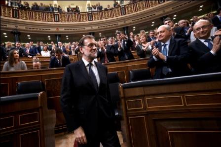 -Rey-de-Espana,-de-acuerdo-con-Rajoy
