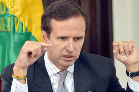 Expresidente-Quiroga-advierte-doble-dano-economico-en-multa-de-Argentina-a-YPFB