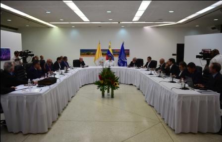 Gobierno-de-Maduro-evalua-liberar-a-presos-politicos