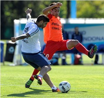 Pizarro-y-Banega-serian-titulares-ante-Paraguay