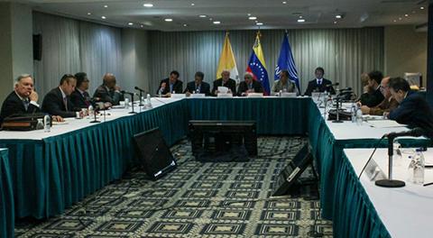 Gobierno-y-oposicion-de-Venezuela-acuerdan-convivencia-pacifica-para-resolver-crisis