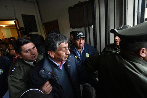 Fejuve-de-El-Alto-libera-a-viceministro-de-Agua,-autoridades-de-Gobierno-reprochan-retencion-