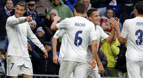 El-Real-Madrid-gana-bajo-la-lluvia-con-un-doblete-de-Ronaldo