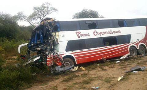 Choque-frontal-entre-dos-buses-en-la-carretera-Santa-Cruz---Yacuiba-deja-una-persona-muerta