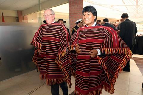 Morales-y-Kuczynski-acuerdan-y-firman-que-el-tren-bioceanico-central-pase-por-Bolivia