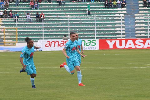 Bolivar-golea-3-0-a-Blooming-y-esta-a-un-empate-de-coronarse-campeon-del-Apertura