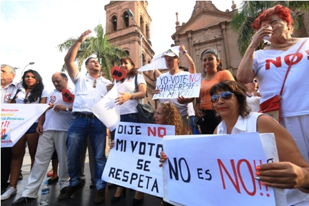 Plataformas-se-movilizan-contra-reeleccion-de-Evo