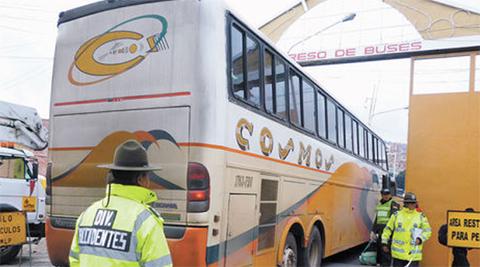 Un-policia-por-bus-acompanara-en-los-viajes-interdepartamentales