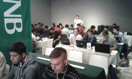 Hackaton-reunio-a-95-desarrolladores