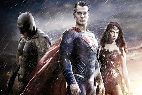 Lanzan-el-trailer-final-de--Batman-vs-Superman:-Dawn-of-Justice
