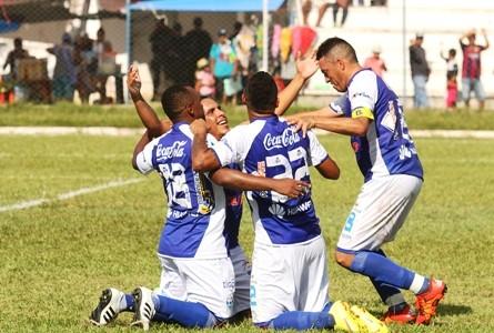 Sport-Boys-golea-y-es-el--unico-lider-del-Clausura