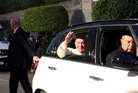 El-papa-visita-Michoacan,-territorio-azotado-por-la-violencia-de-carteles