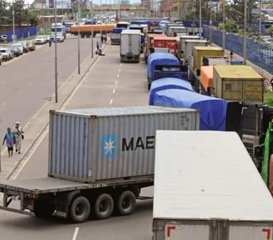 Bloqueo-del-transporte-causa-perdidas-de-$us-8-millones