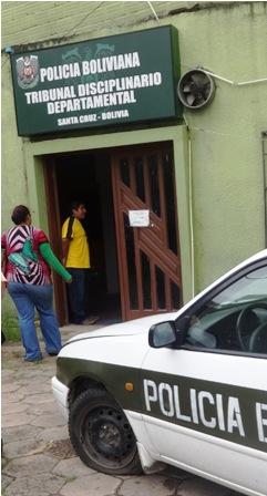Extorsion-envia-a-dos-policias-a-Palmasola