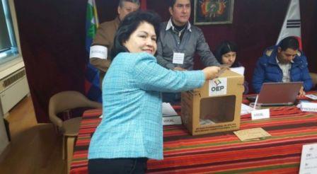 La-primera-votante-en-Corea-del-Sur