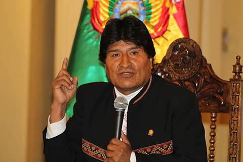 Evo-Morales-sugiere-controlar-las-redes-sociales,-porque--tumban-gobiernos-