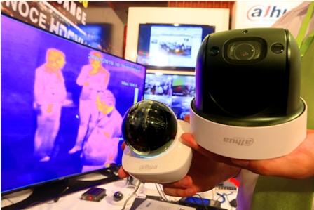 Feria-tecnologica-muestra-diversa-gama-de-productos