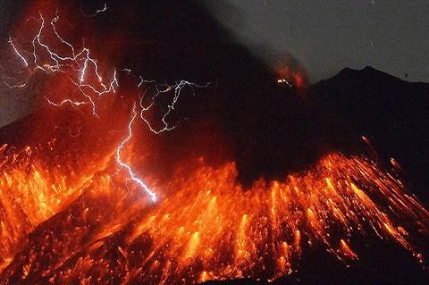 Entra-en-erupcion-el-volcan-japones-Sakurajima-