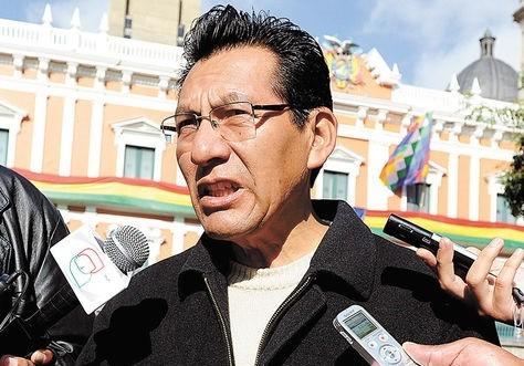 Senador-Joaquino-pedira-informe-escrito-a-ministerios-que-tienen-contratos-con-CAMC
