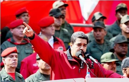 Maduro-llama-a-privados-a-entregar-sus-empresas