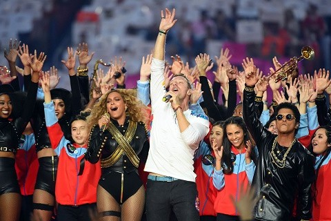 Coldplay,-Bruno-Mars-y-Beyonce-en-el-Super-Bowl-